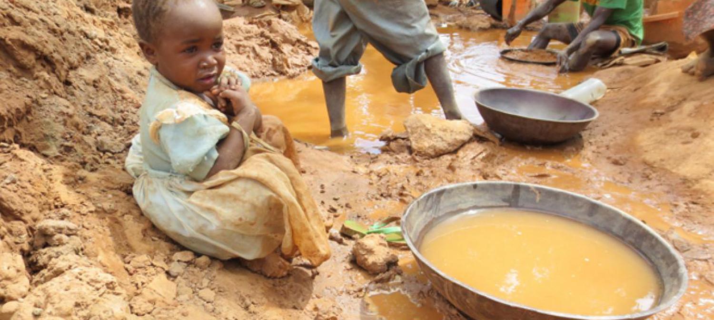 AU MALI DEUX ENFANTS SUR TROIS TRAVAILLENT